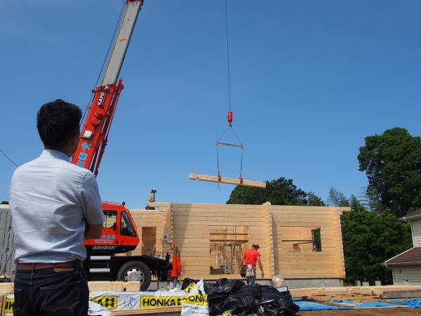 ホンカ ログハウス 建て方 (2)