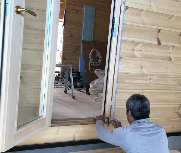 ログハウス構造見学会 防水テープ ドア2