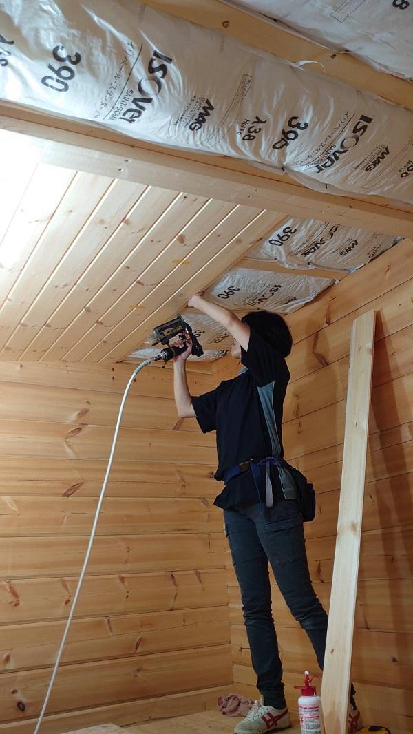 平井邸 ホンカ 天井板貼り工事