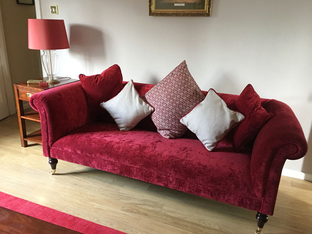 brighton-midi-w-210-cm-sofa-in-rochall-crushed-velvet-pillarbox-1j-pg[1]