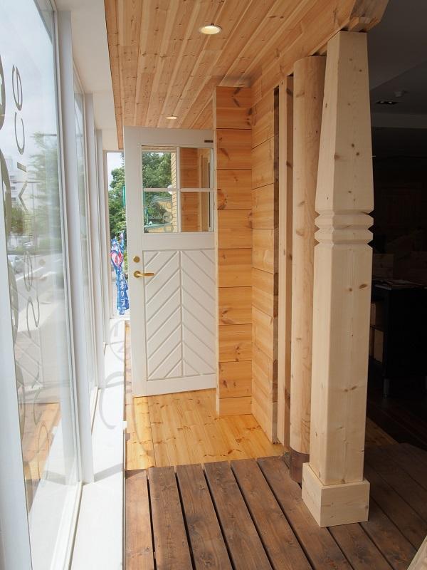 ホンカ 木製ドア ログハウス