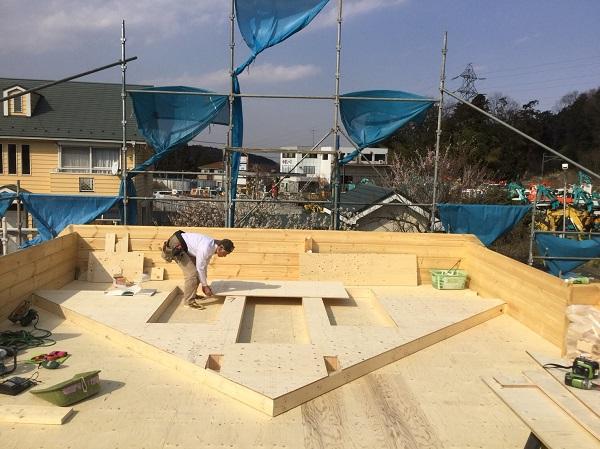 ログハウス建て方工事 妻壁加工組立
